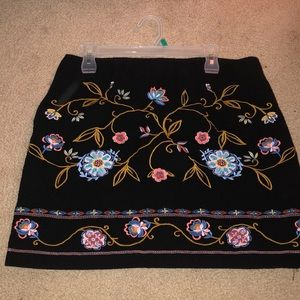 Loft mini skirt with embroidered flowers